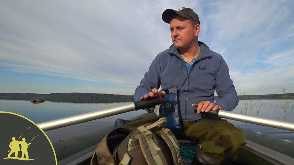 Рыбалка с лодки на бортовую удочку